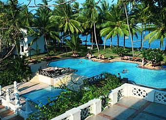 Mombasa Serena Beach Hotel Rooms Offers 166 Air Conditioned And Suites All Have Both Bath Shower Free Mineral